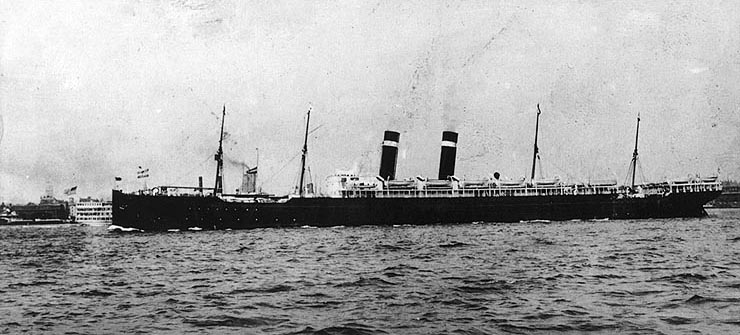 SS_Finland_underway_in_harbor_before_1917